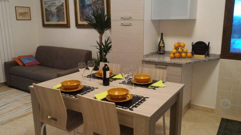 Appartamento indipendente, circondato  dal verde della  campagna di Pistoia, holiday rental in Montale