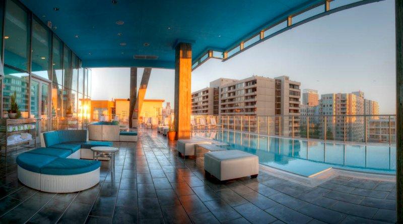 Pool / Wohnbereich