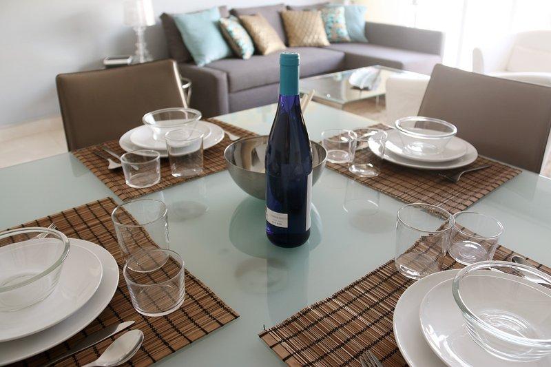 Apartamento increible a 2 minutos de la playa de Los Cristianos, Tenerife, holiday rental in Los Cristianos