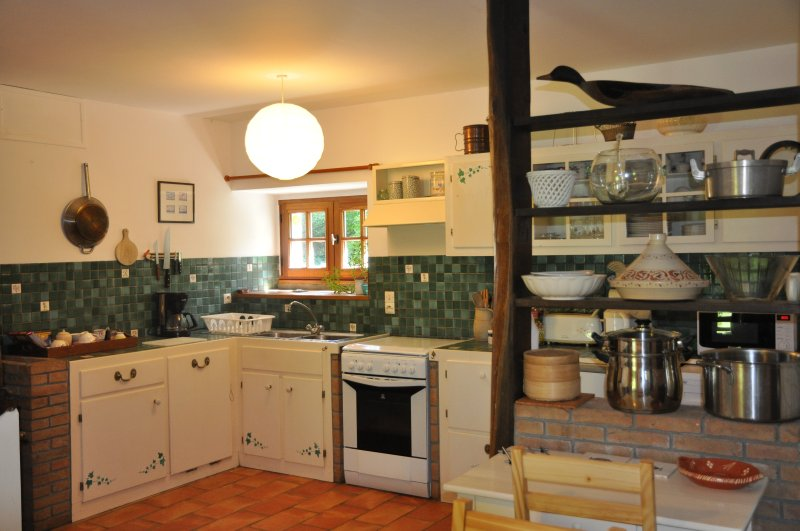 A kitchen is available for guests