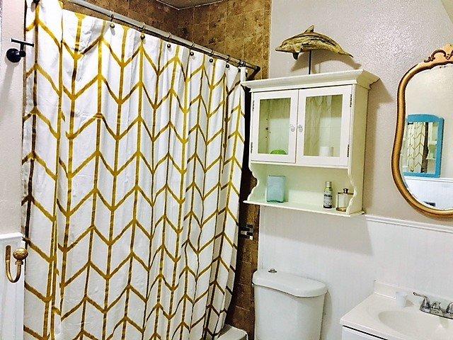full size bathtub and shower