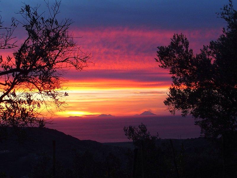 CALABRE AUTHENTIQUE - proche mer - au  pied des montagnes, vakantiewoning in Marina di Nocera Terinese