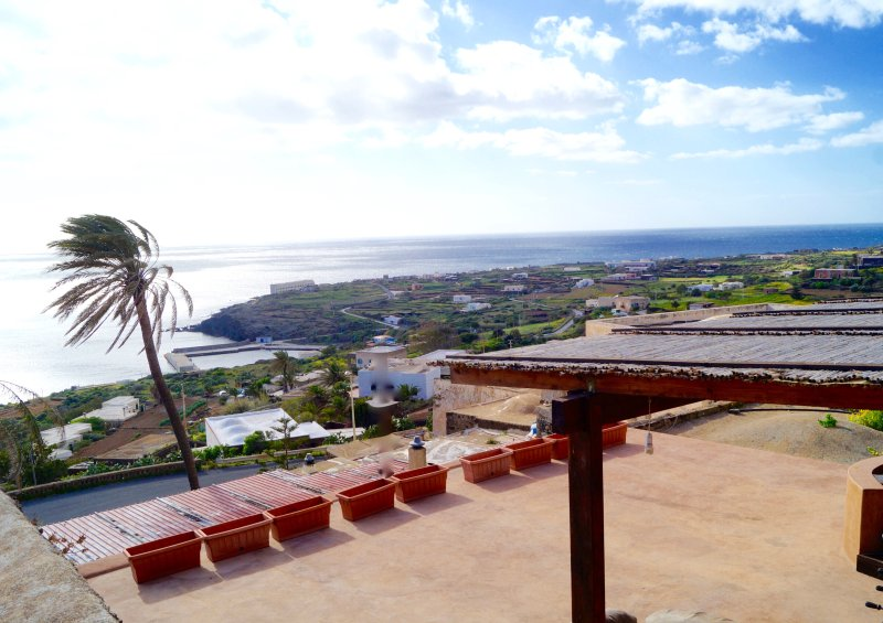 panoramic, romantic, short walk to the bay of scauri, casa vacanza a Pantelleria