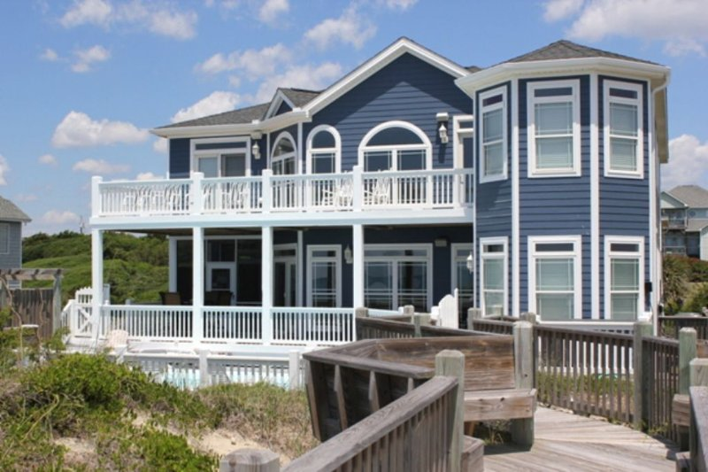 Oceanfront Exterior~ Gracious Double Decks