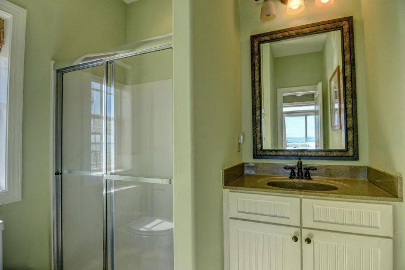 Bath off King room