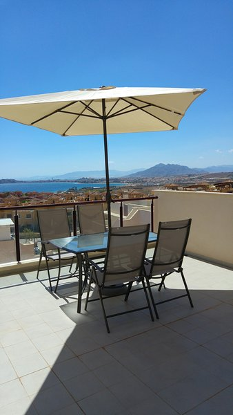 MH10 Lovely 2 bed 2 bath apartment,sea view,Mojon Hills, Isla Plana, holiday rental in Isla Plana
