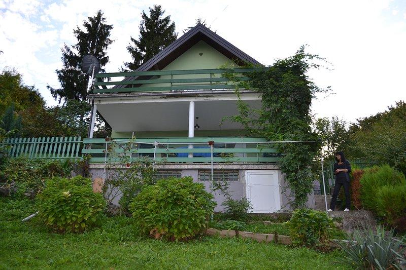 Beautiful house with garden & Wifi, alquiler vacacional en Zapresic
