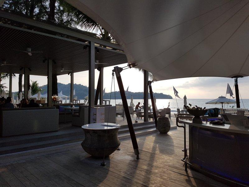 Pegar Beach Club e muitos mais restaurantes em Bangtao Beach - 15 minutos