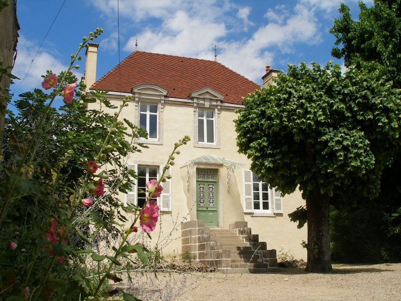 4 star, Maison de Maitre, 5 mins from Beaune, Pommard & Volnay, holiday rental in Bligny-les-Beaune