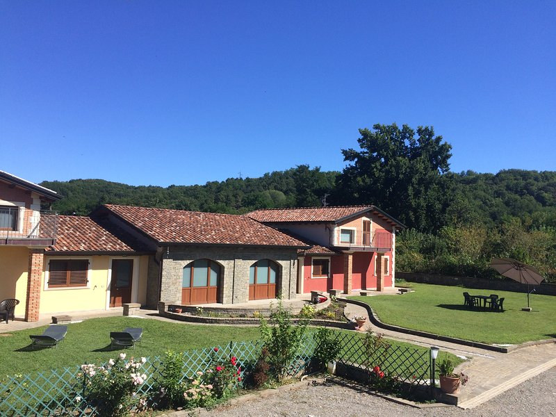 AMAZING HOUSE SITUATED IN THE MIDDLE OF THE NATURE OF VILLAFRANCA IN LUNIGIANA, holiday rental in Villafranca in Lunigiana