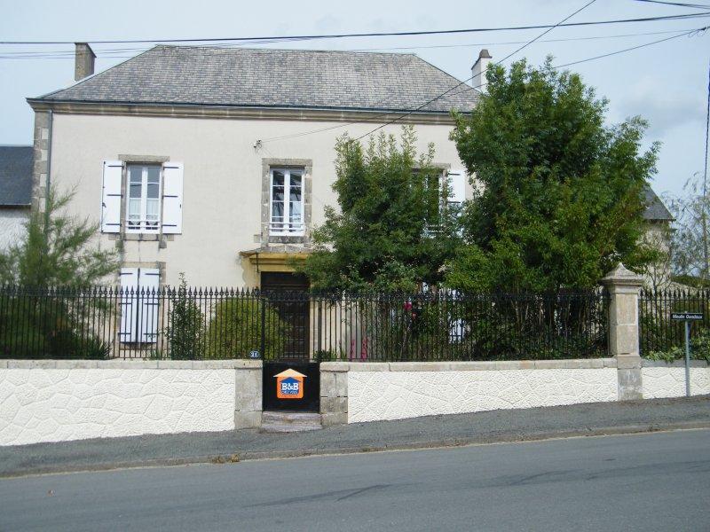 B&B 'CHEZ VOUS CHEZ NOUS', vacation rental in La Chataigneraie