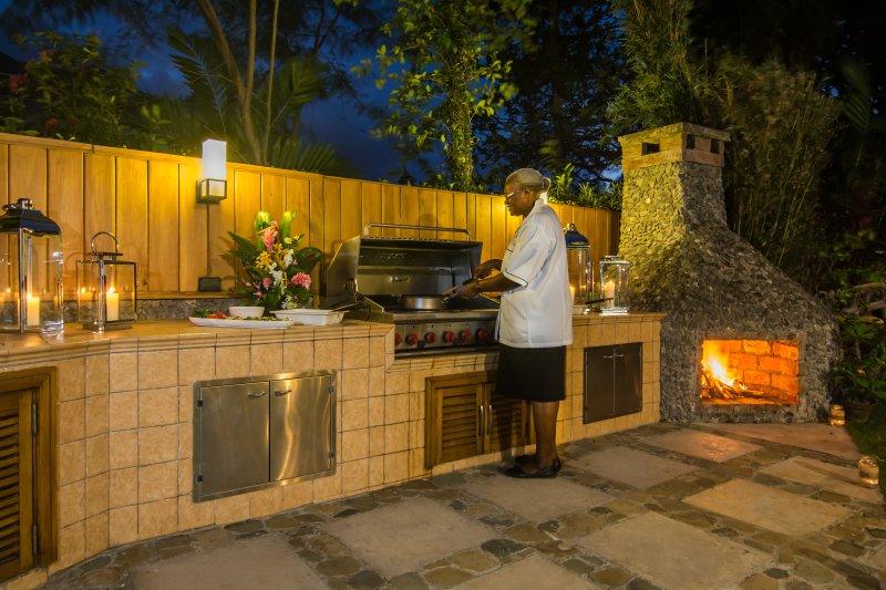 Laissez notre chef préparer un barbecue en plein air pour vous