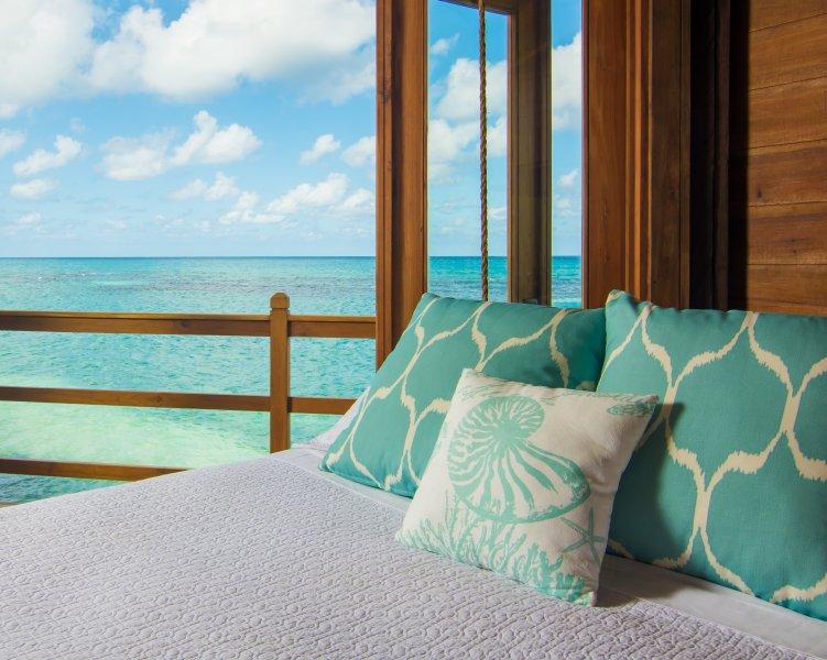 Dormez bien avec un viseurs vue sur l'océan et les sons