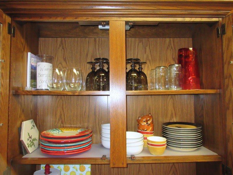 Vasos, platos, copas de vino, tablas de cortar, trébedes, etc. Un montón de opciones para la hora de las comidas!