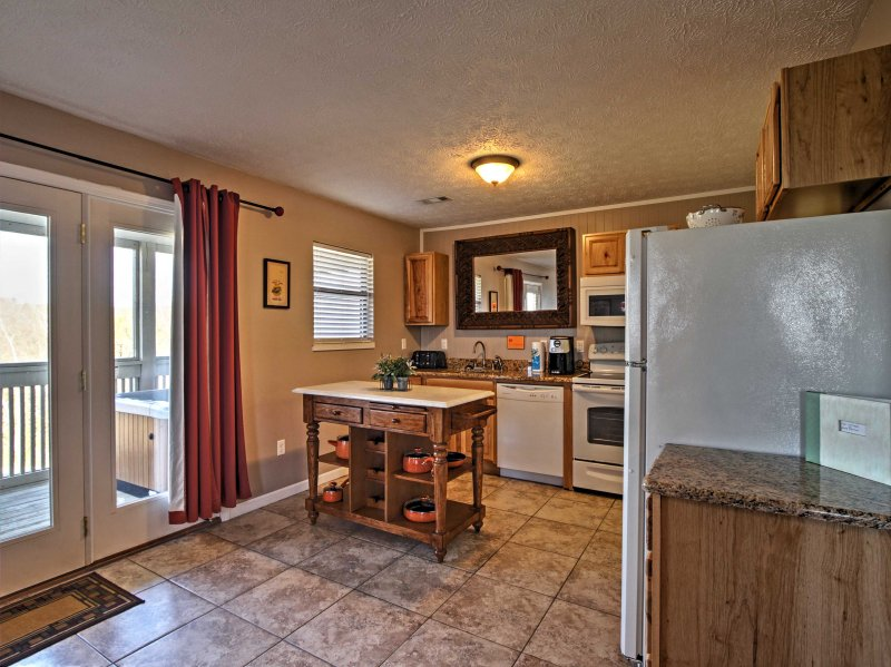 The chef of the group will delight in cooking in the fully equipped kitchen.