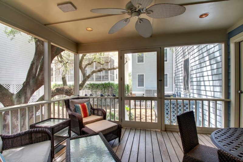 Outdoor Living, at 37 Grand Pavilion, Screen Porch