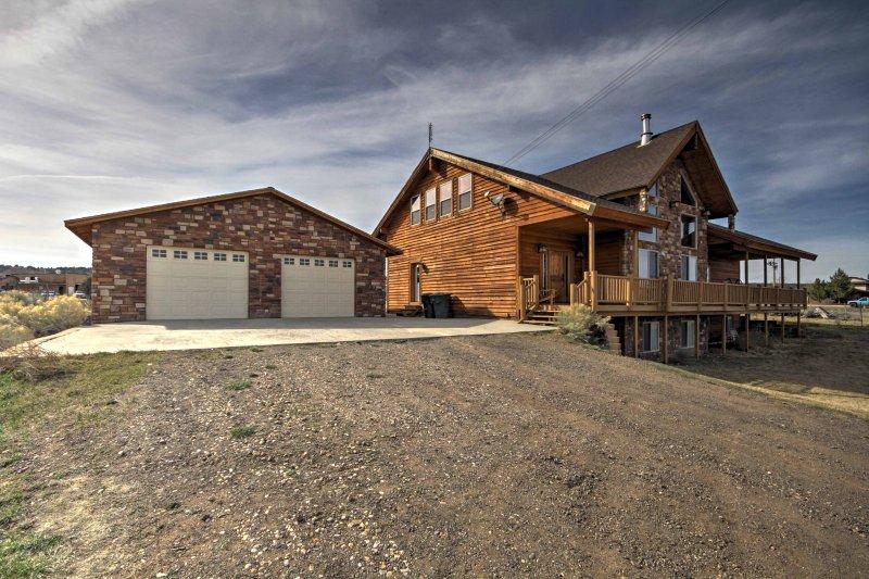 Das Haus verfügt über 3.840 Quadratfuß komfortablen Wohnraum.