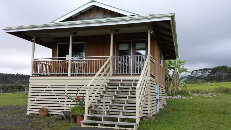 Akaka Falls Cottage in Honomu, vacation rental in Laupahoehoe