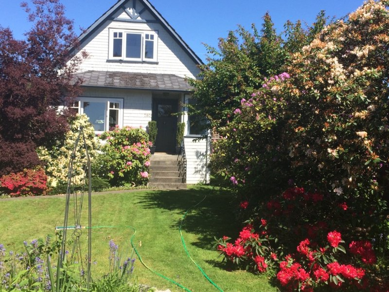 Charming Character Home for Short Term Rental, vakantiewoning in North Vancouver