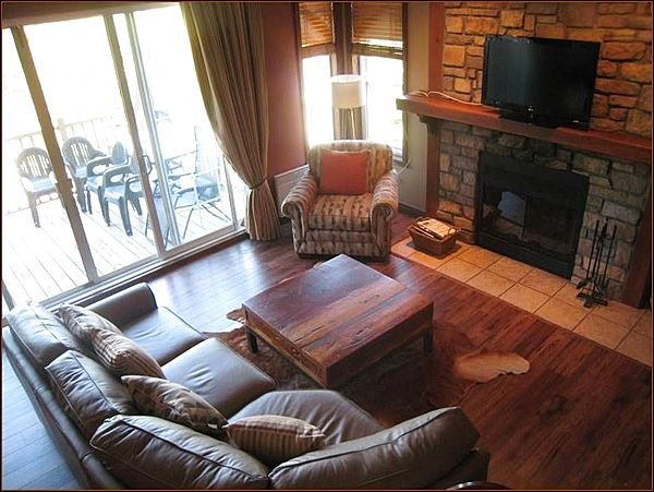 5BR Condo short Drive to Mont Tremblant (215625), holiday rental in La Minerve
