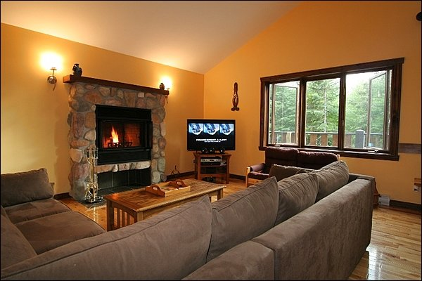 Lovely Living Area con caminetto a legna