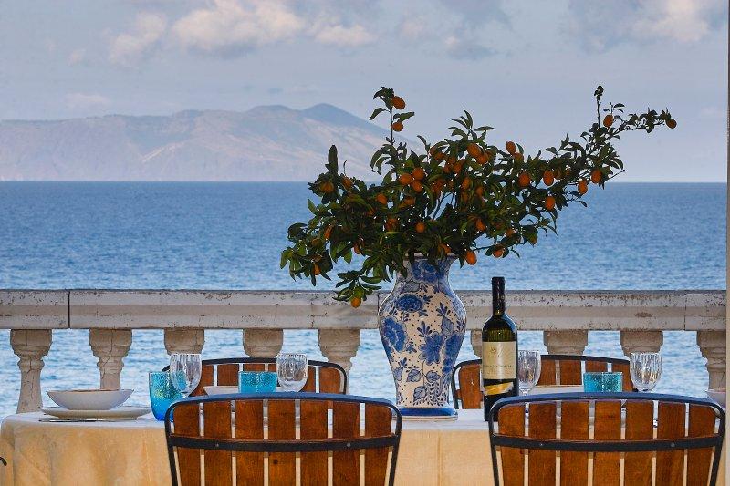 Luxury villa near the sea and the beach with wonderful view of Aeolian Island, vacation rental in San Giorgio