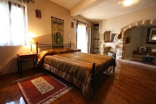 Chambre d'hotes dans demeure vénitienne du 16 ème siècle (Aphrodite), holiday rental in Pigi