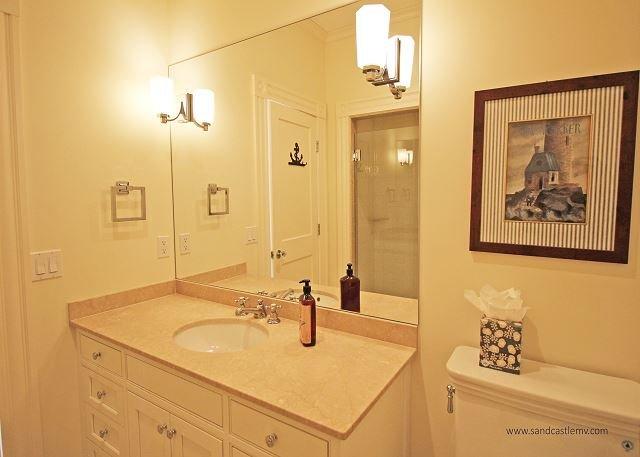 Guest bedroom two en-suite
