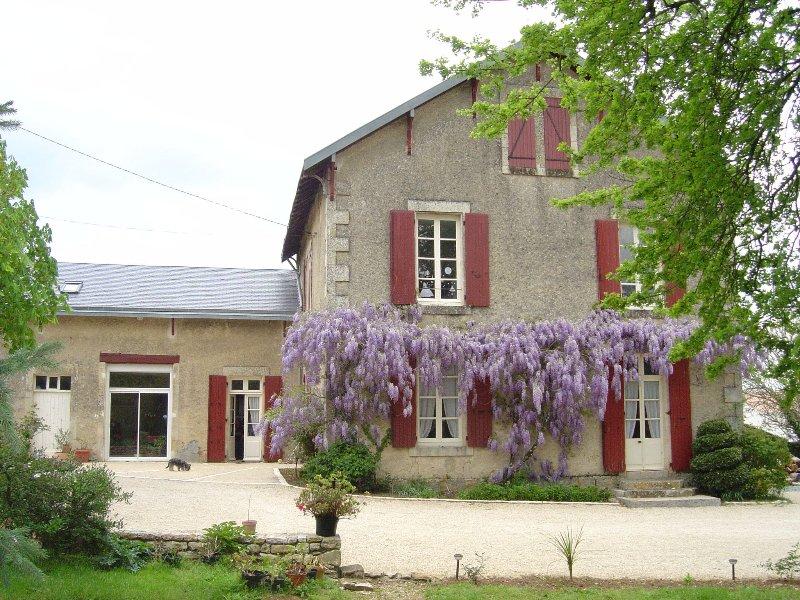 les vieilles vignes, location de vacances à Prailles