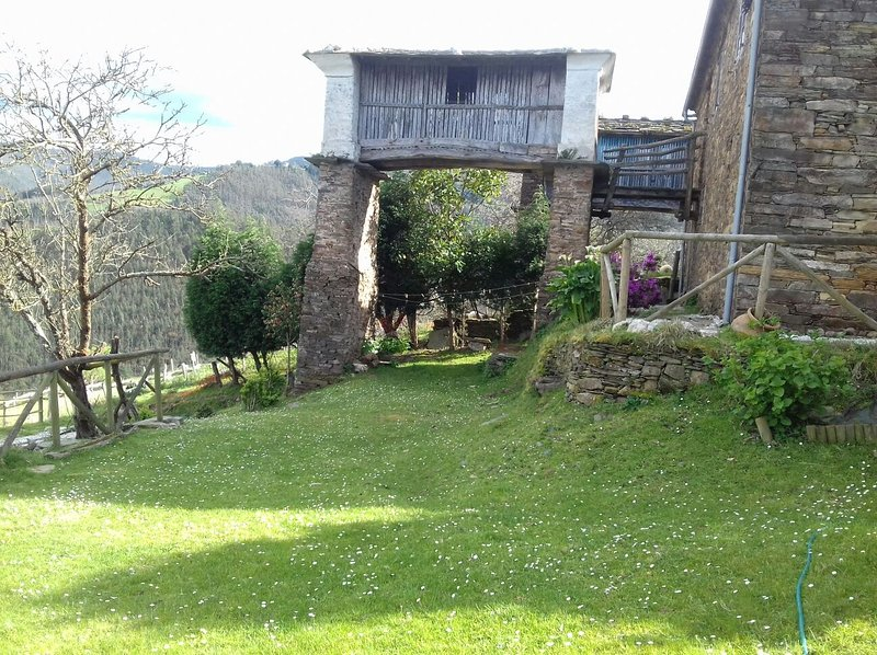 Casa de Aldea Goje, vacation rental in Grandas de Salime Municipality