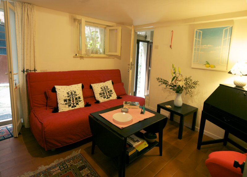 Studio apartment in hill top town near Assisi, vacation rental in Bettona