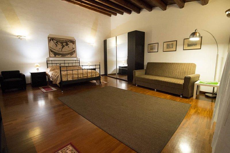 Room / s