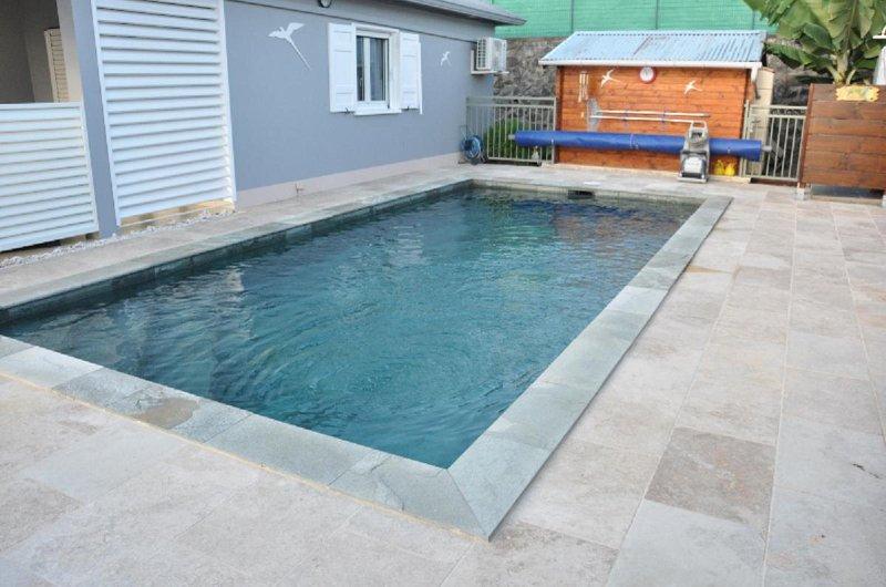Villa 6 personnes avec piscine chauffée (29° min) et sécurisée., casa vacanza a Ravine des Cabris