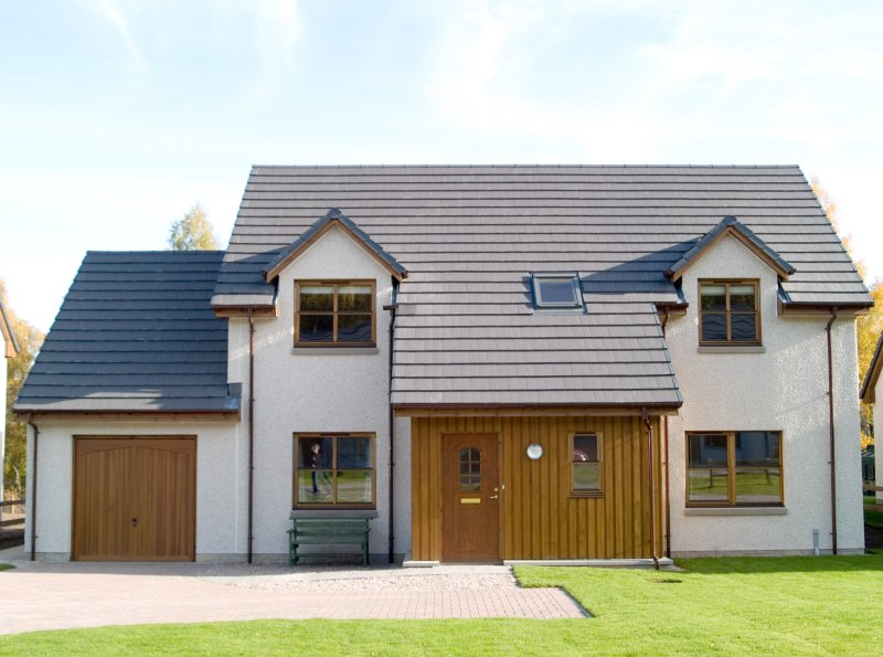 Luxury 4 bedroom house with hot tub and free golf, location de vacances à Aviemore