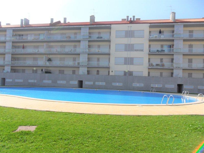 Alojamentos C & M - T1 com Piscina, holiday rental in Alcobaca
