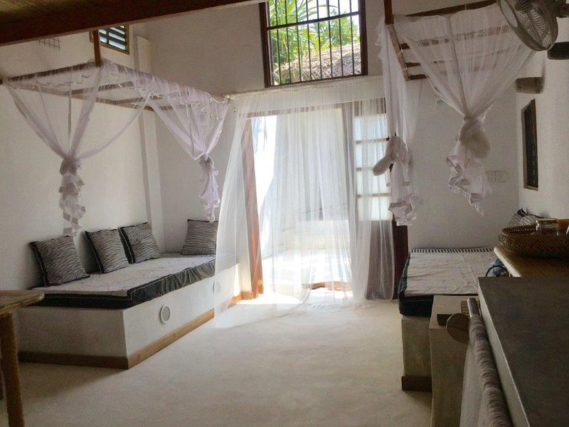 Greta Cottage on the sea, vacation rental in Makandura