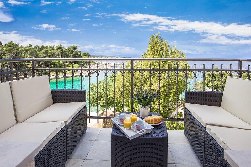 Luxury One Bedroom App. #3, aluguéis de temporada em Malinska