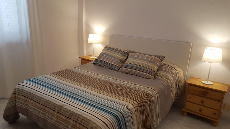 Nice beachfront apartment right over the Ocean with all the facilities onsite, vacation rental in El Medano