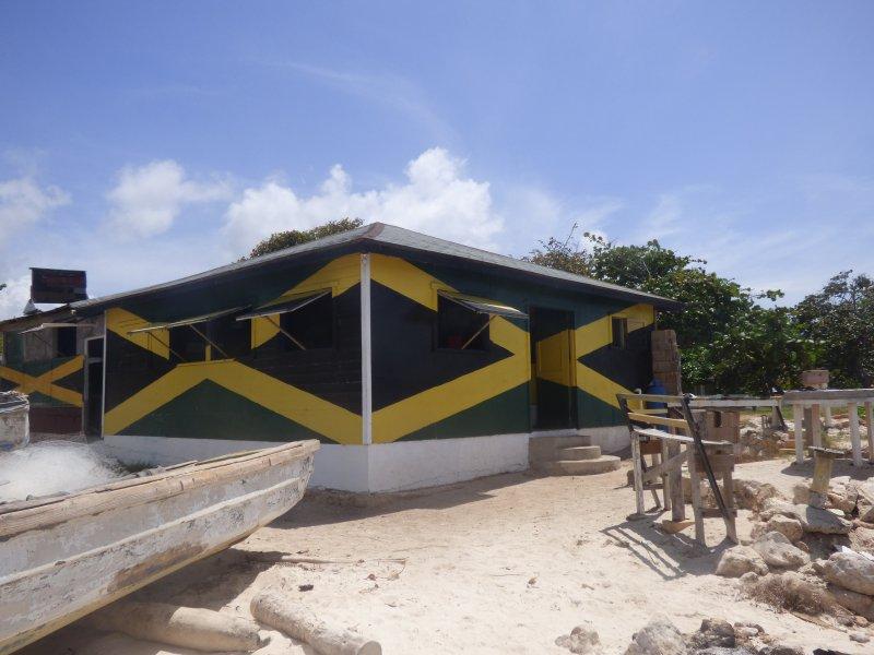 Leroys Bar / Food and partido lugar certo na praia