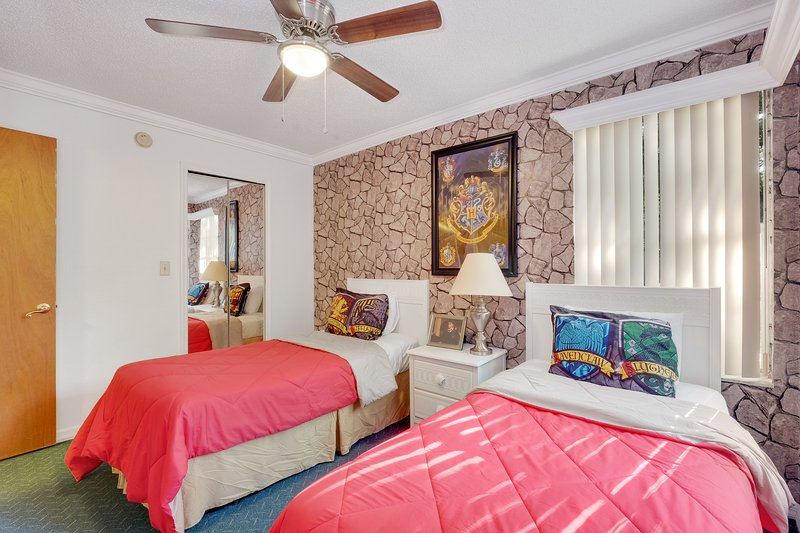 Harry Potter and Disney Princess themed condo!, holiday rental in Old Town