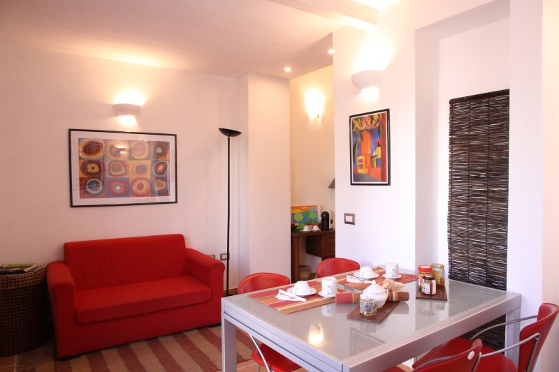 Lovely Exclusive Garden Flat Close To The Beach - Family Friendly, holiday rental in Soleminis