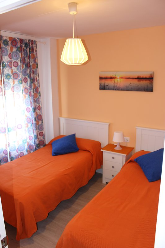 DOUBLE bedroom with 2 beds 90 cm