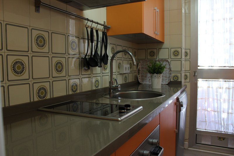 Dishwasher, oven, microwave, WASHER