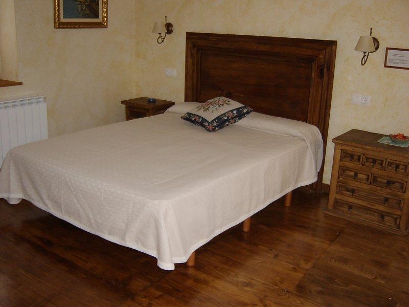 Donamaria_Gaztelu, Casa Rural Gamioa por habitaciones, vacation rental in Bertizarana