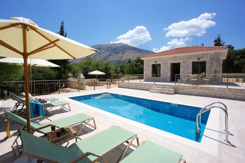 Forest Villas Kefalonia (Harry Villa), vacation rental in Divarata