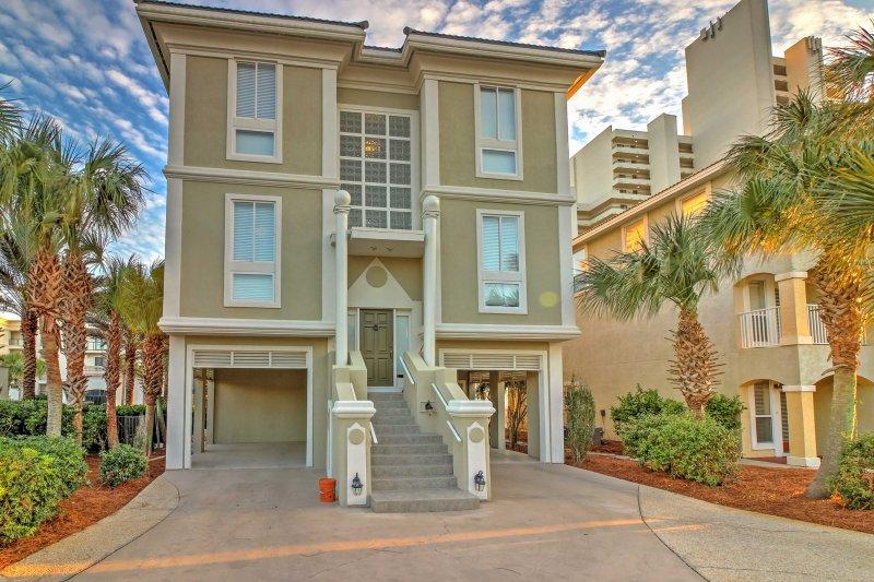 Bege dig till denna 5-sovrum semester hyra hus för en Seagrove Beach getaway!