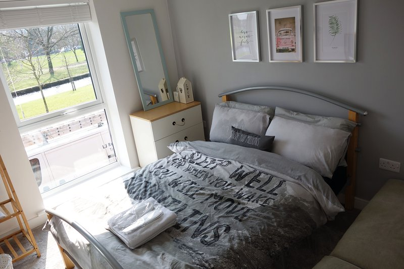 luxury double room in central manchester 市中心位置, vacation rental in Ashton-under-Lyne