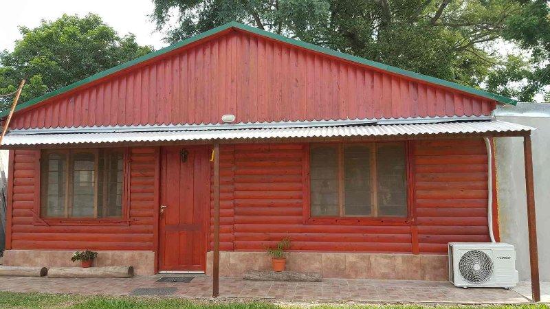 Cabaña y Alojamiento en Monte Caseros, holiday rental in Litoral