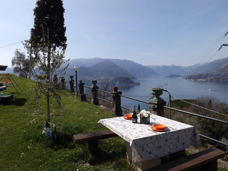 Varenna Castle House Garden Lake View, holiday rental in Vezio