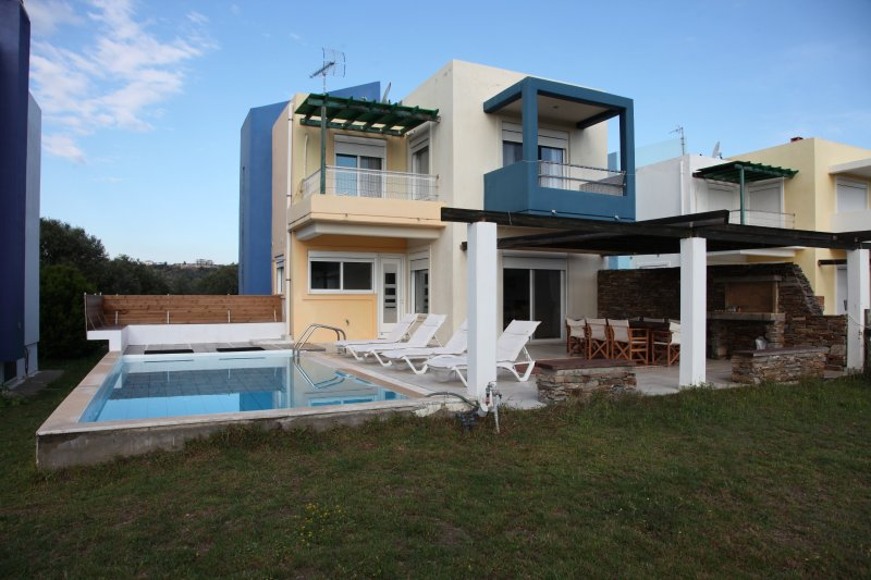 Villa-3, near the beach and the golf course of Rhodes, private pool-garden, vacation rental in Afandou